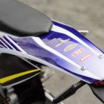 オートバイのRX230FSのテール周りの写真
